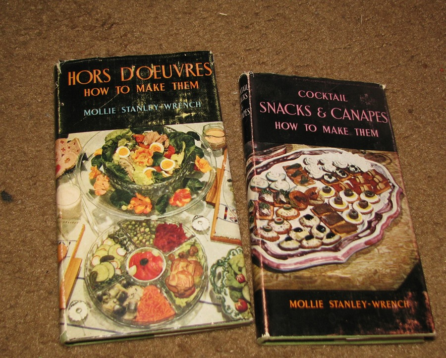 Vintage kitchen kitsch and cookbooks on ebay the mid for Canape cookbook