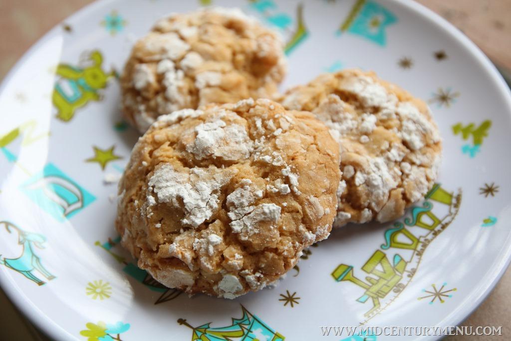 Cracker Jills, 1971 – A Vintage Christmas Cookie Recipe Test
