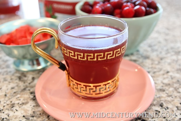 Cranberry Beef Tea, 1960 – A Mid-Century Drink Test