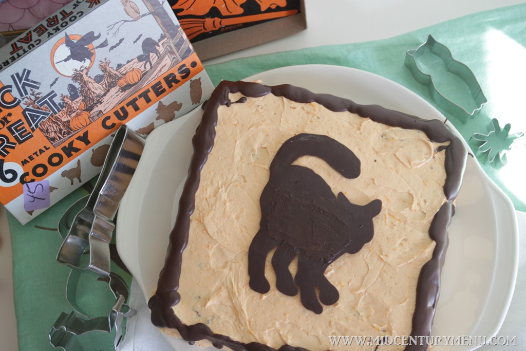 Orange Soda & Chocolate Black Cat Cake, 1962 – Vintage Halloween Recipe Test